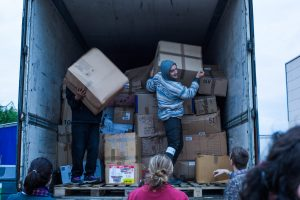 Volunteers at the warehouse in Calais, November 2017. Photo: Futuro Berg.