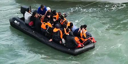 Réfugiés traversant la Manche