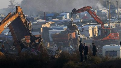 Calais Jungle demolition